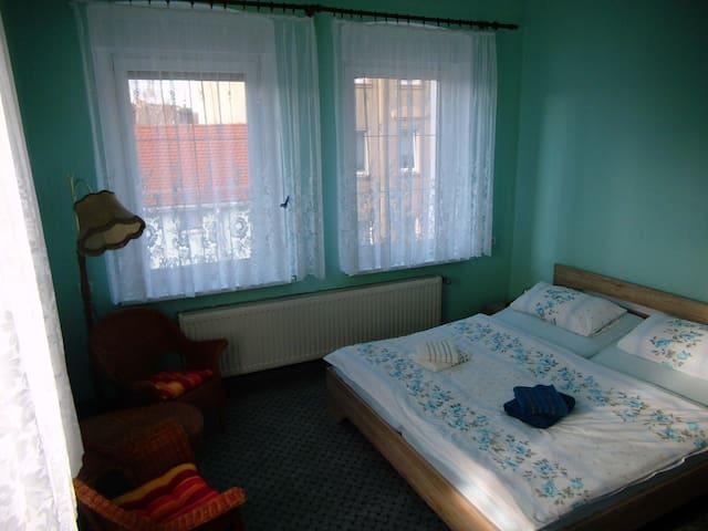 Ferienzimmer im Neuseenland - Borna - Lägenhet