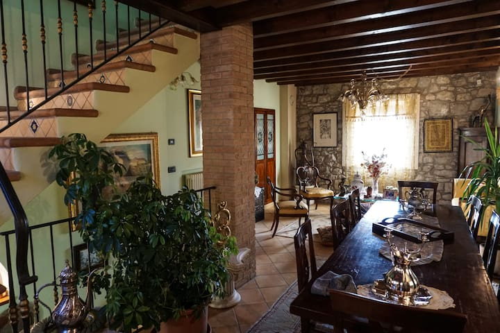Exclusive house in panoramic village of Emilia - Casina - Huis