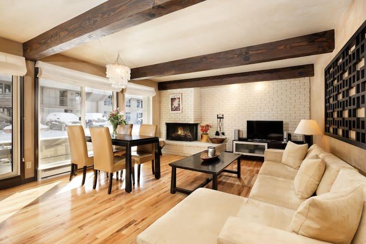 Steps to Gondola / Pool / Hot Tub / Wood Fireplace - Aspen - Appartement en résidence
