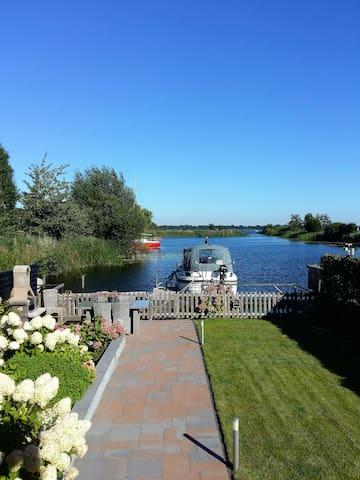 Paradijs aan Spiegelplas bij A'dam - Nederhorst Den Berg - Hus