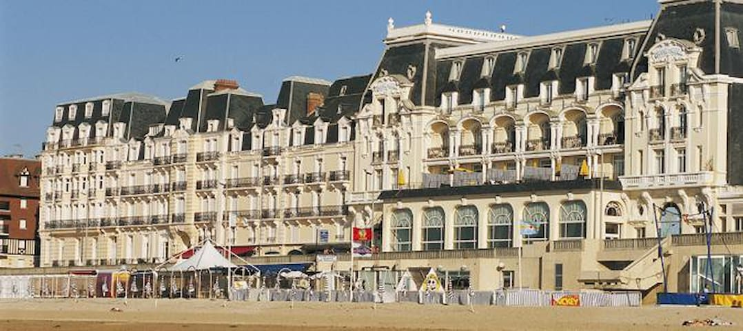 Résidence du grand hotel, accès direct plage - Cabourg - Huoneisto