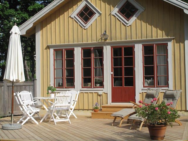 Charming cottage with seaview - Lidingö - Chalet