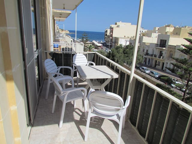 Central Marsalforn Bay Apartment BK - Marsalforn - Departamento
