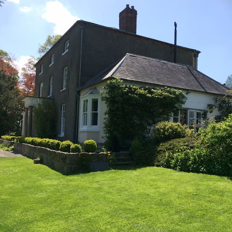Georgian House with Amazing Views - Oswestry - Casa