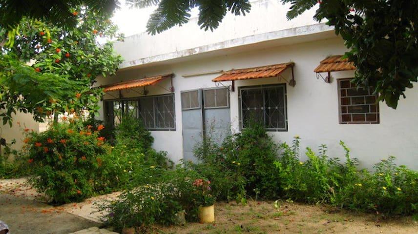 2 BDR house in  seaside village  - Popenguine - Hus