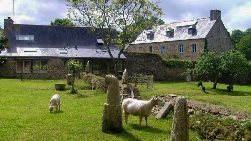 Jolie maison bretonne, detente en pleine nature - Saint-Laurent - Hus