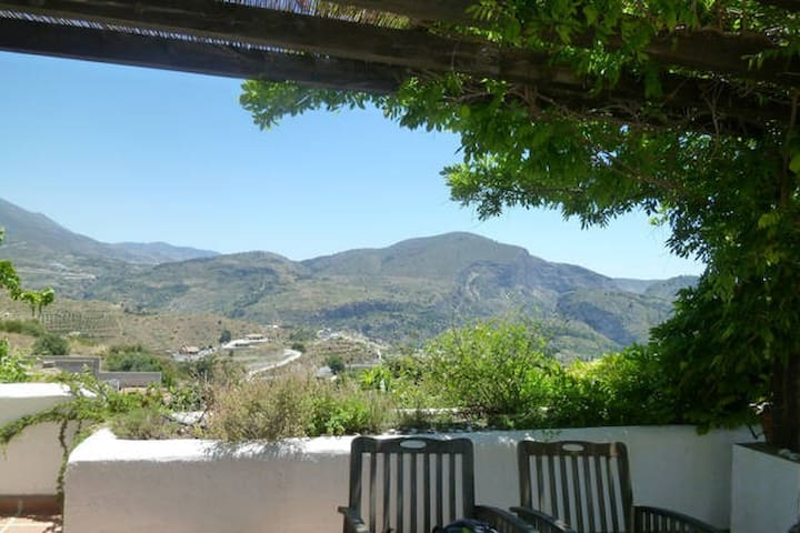 Granada prov.: B&B with pool in beautiful nature - Costa Tropical