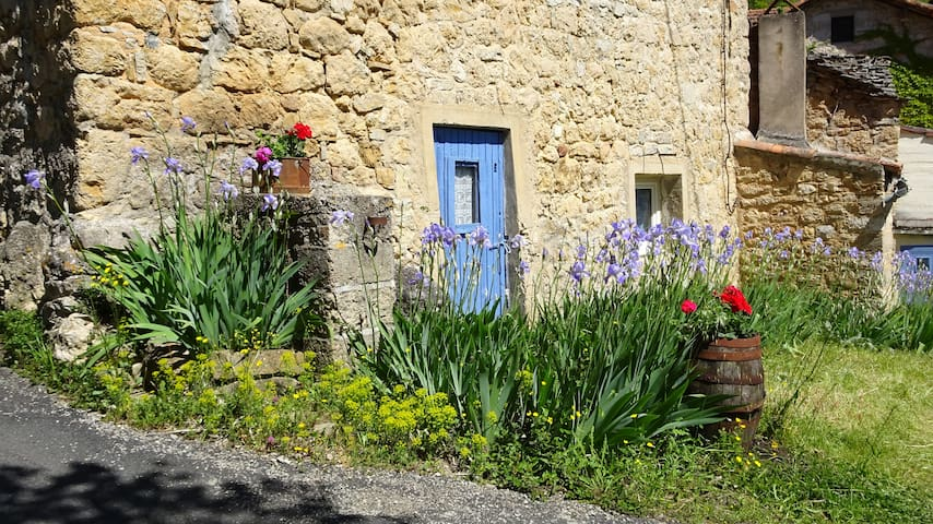 Gite ancienne bergerie dans magnifique campagne - Mostuéjouls