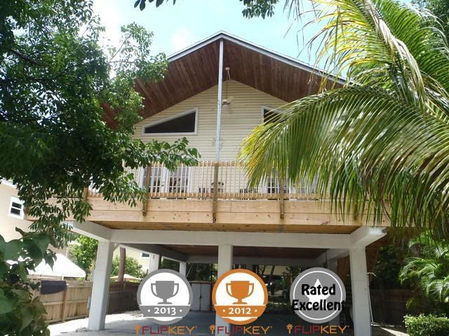 Beautiful Private Key Largo Home with Beach Access - Key Largo - House