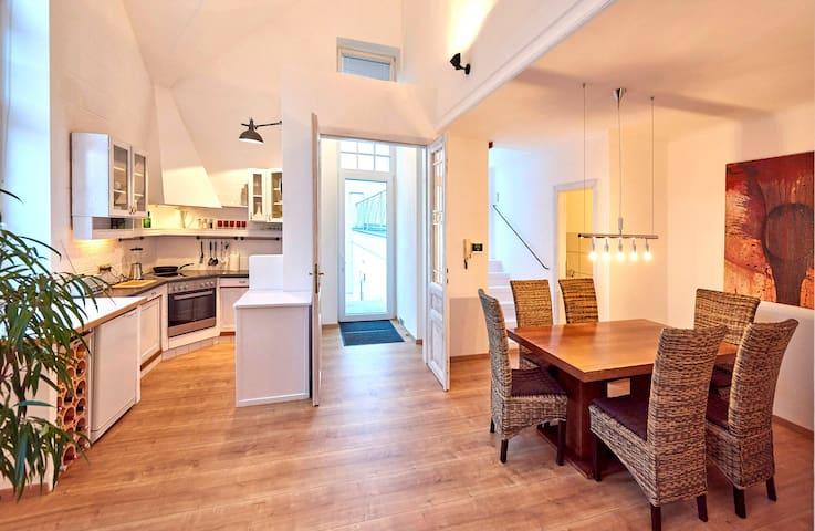 Art Studio Apartment - Bisamberg - Appartement