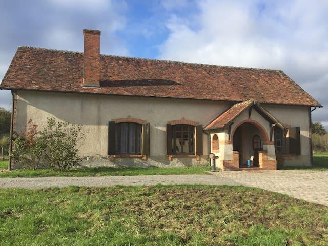 Maison solognote en pleine nature - Theillay - Casa