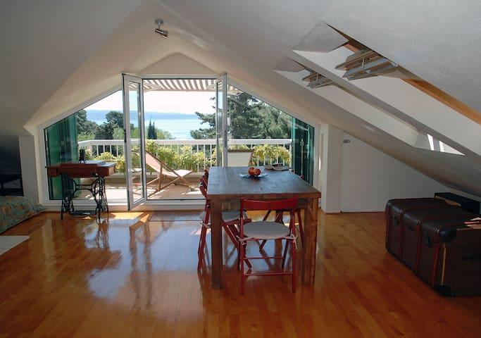 Island view loft studio near beach - Split - Loft