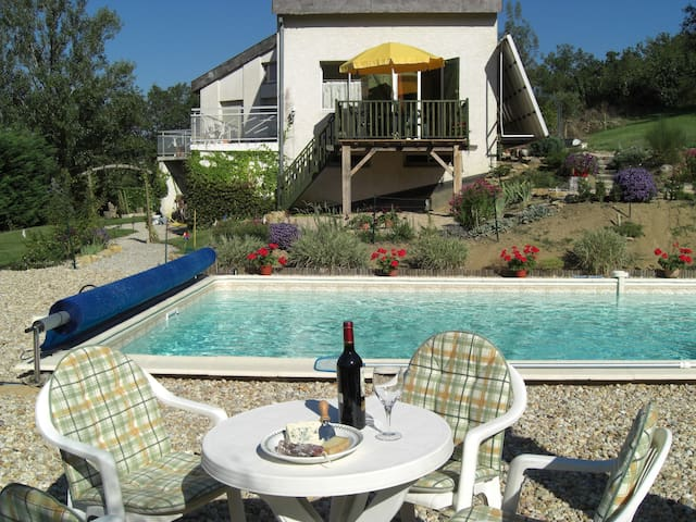 Rural gite with pool, near village - Hugounenque, Route de Laguepie, Verfeil sur Seye, 82330, Tarn et Garonne - Lägenhet