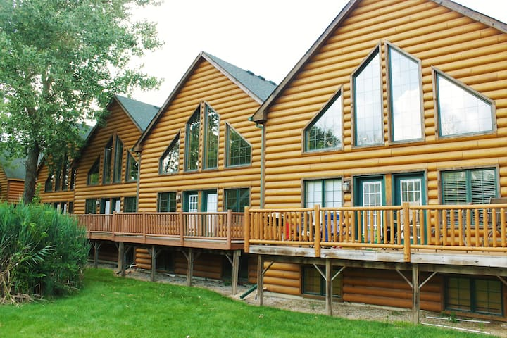 GRAND BEAR RESORT LUXURY CABIN NEAR STARVED ROCK - Oglesby - Chatka