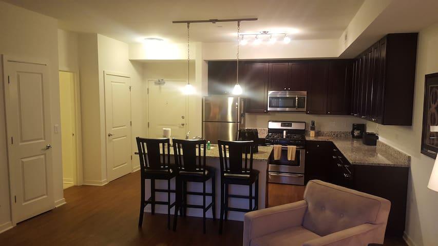 Sharp 1BR/1BA in Vernon Hills - Vernon Hills - Appartement