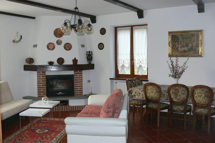 La cascina al sole e  nel verde tra ASTI e TORINO - San Paolo Solbrito - Maison de vacances