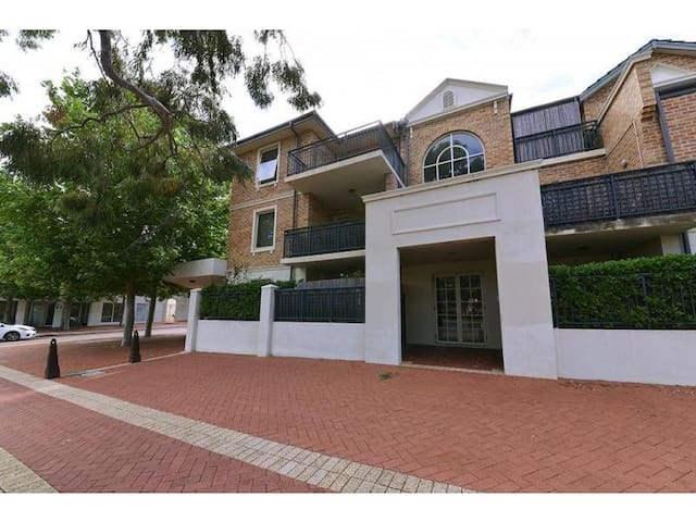 Premium Apartment Fully Furnished - Joondalup - Departamento