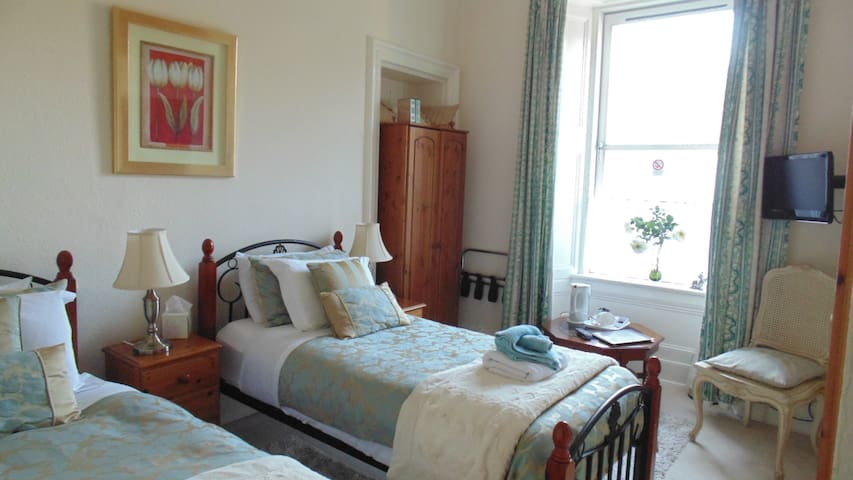 Twin room in Abertay/Stonelee - Dundee - Gjestehus