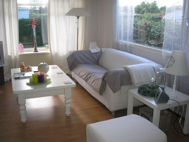 Te huur: leuk vakantiehuisje bij Zuidlaardermeer! - Kropswolde - Kisház