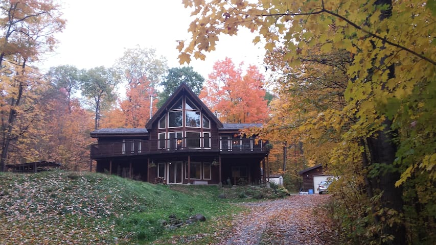 Oak Ridge Retreat - Hundreds of acres of trails. - Coldwater