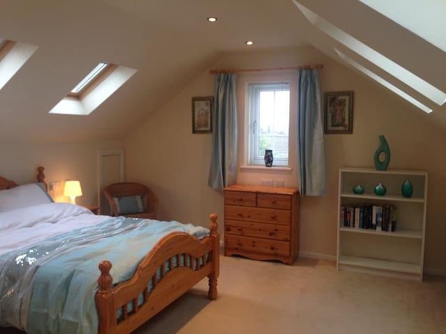 Orchard House , large en suite bedroom - Somercotes