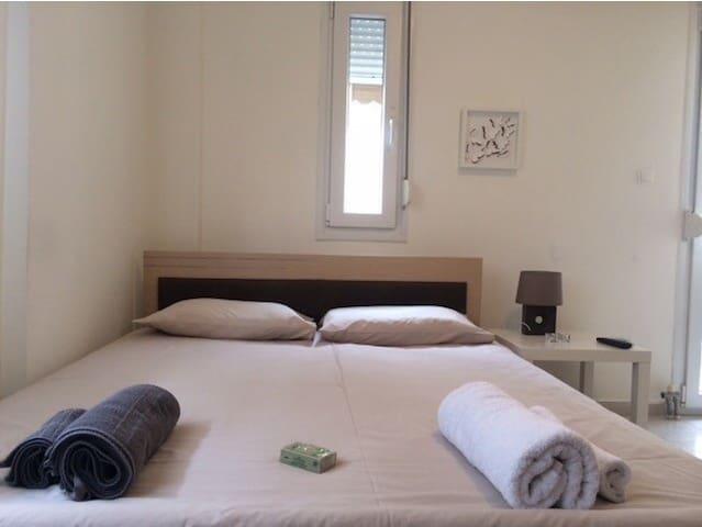 Cozy studio close to city center - Agios Pavlos - Wohnung