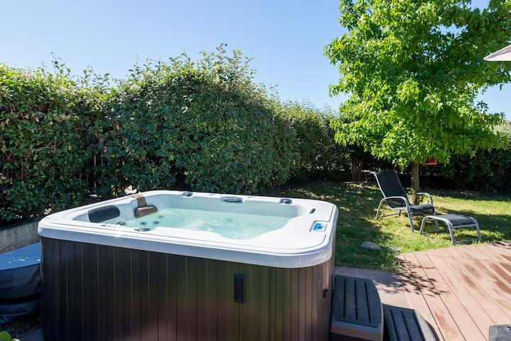Maison Piscine et jacuzzi chauffe - Ternay - Ev