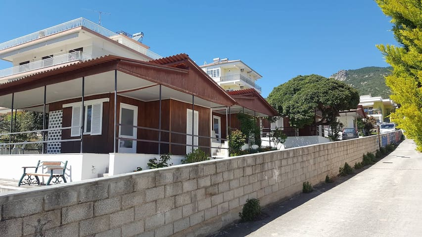 DEKI Holidays Homes - Kavala - Bungalow
