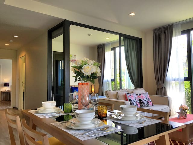 Cozy 2 Bed Condo with own Jacuzzi - Patong - Lägenhet