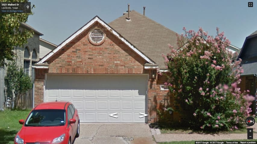 Entire Single Family Home - Lewisville