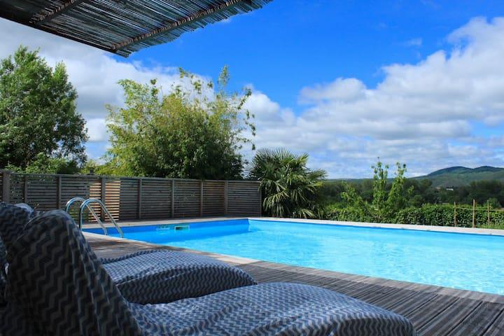 Maison de maître avec piscine pour 8 personnes - Lunas - Huis