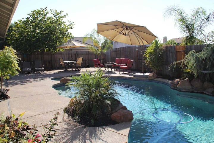 Perfect Vacation Home For Business or Pleasure - Lincoln - Ev