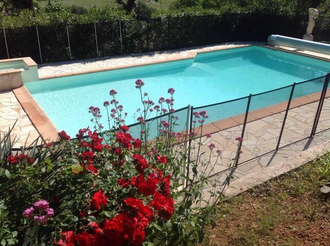 Chambre dans villa avec piscine - Le Cannet-des-Maures - Hus