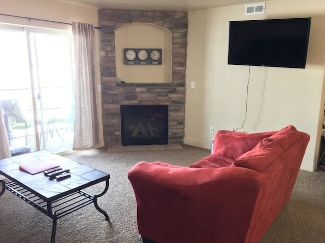 Clean and comfortable 3B/2b condo in Payson - Payson - Appartement