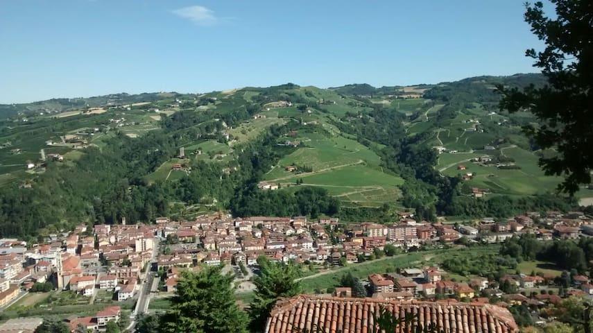 FOOD & WINE - Santo Stefano Belbo - Lägenhet