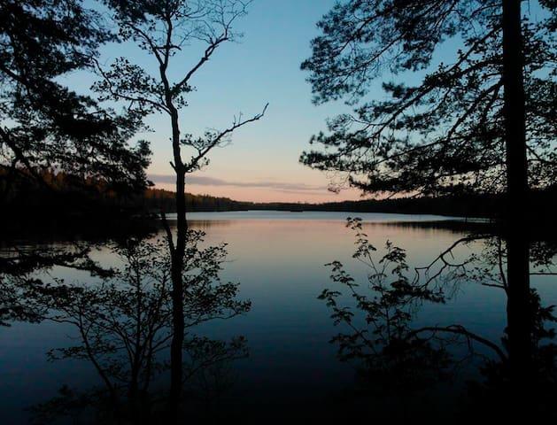 Lakeside Summer House just 1 hour from Helsinki - Salo - Dağ Evi
