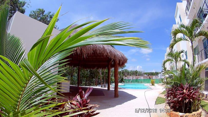 Private room w/ bathroom A/C pool - Playa del Carmen