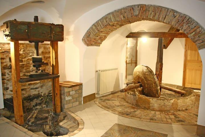 Caratteristica casa in borgo - Dolcedo - Huis
