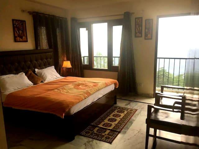 MyHome Staycations - Stunning Views - Shimla - Aamiaismajoitus