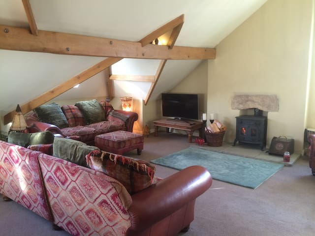 Lovely large character apartment, Yorkshire Dales - Ingleton