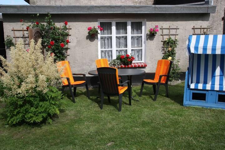 Zimmer unterm Reetdach, Nähe Ostseebad Binz - Bergen auf Rügen - Appartement en résidence