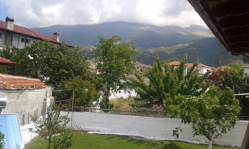 Guesthouse on Mountain Olympus - Kalivia - Hus