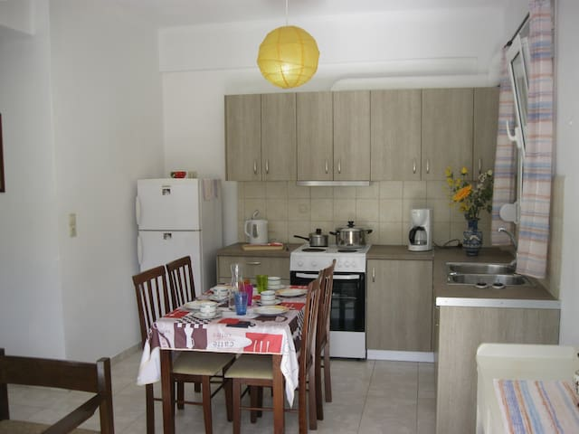 Cosy 4-bedroom Apartment in Stalis - Stalida - Appartement
