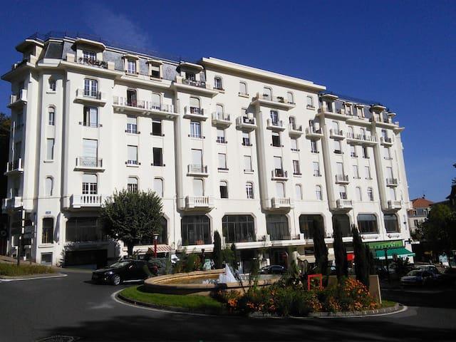 T1 Au Grand Hôtel Châtel Guyon - Châtel-Guyon - Daire