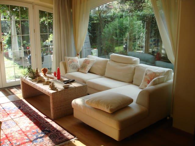 porzione di splendida villa con giardino - Camaiore - Huoneisto