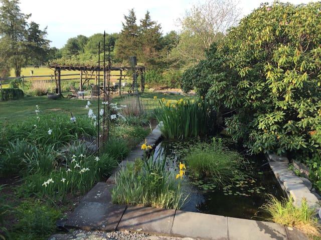Beautiful farm with privacy - Hopkinton - Ev
