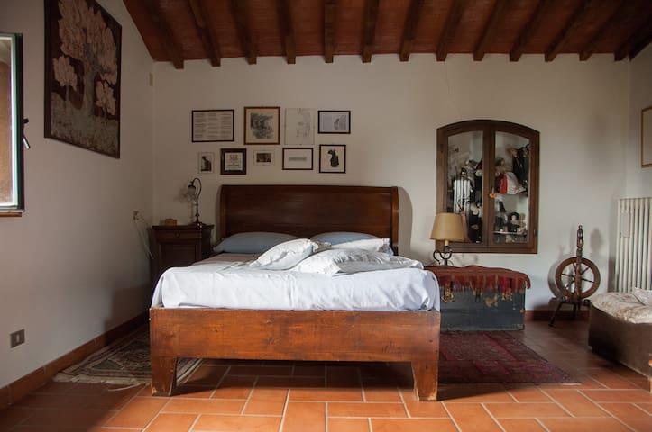 casa romantica, campagna toscana - Pelago - Hus
