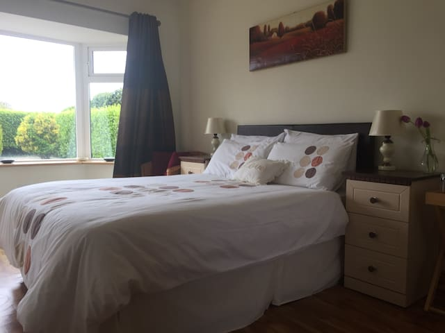 Comfy Double Room, private entrance - Bantry - Casa