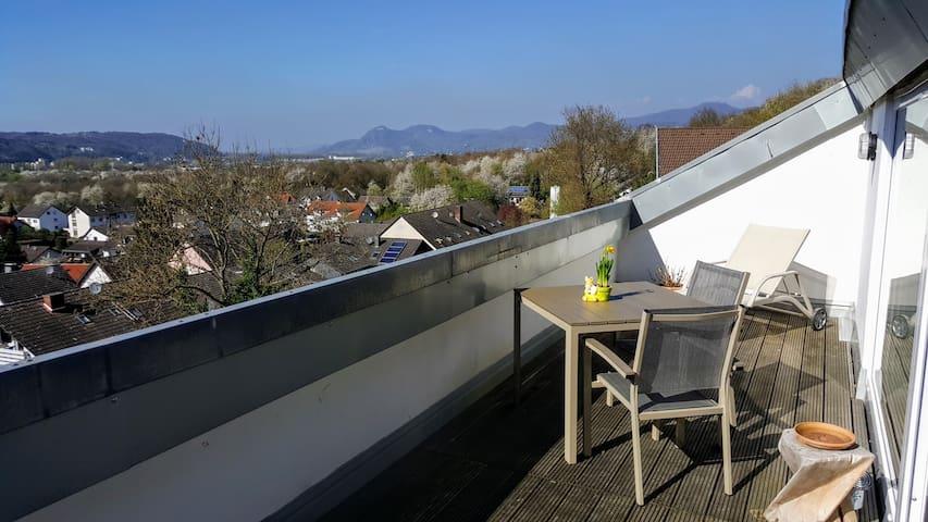 55 m² DG-Wohnung mit phantastischem Ausblick - Unkel - Huoneisto