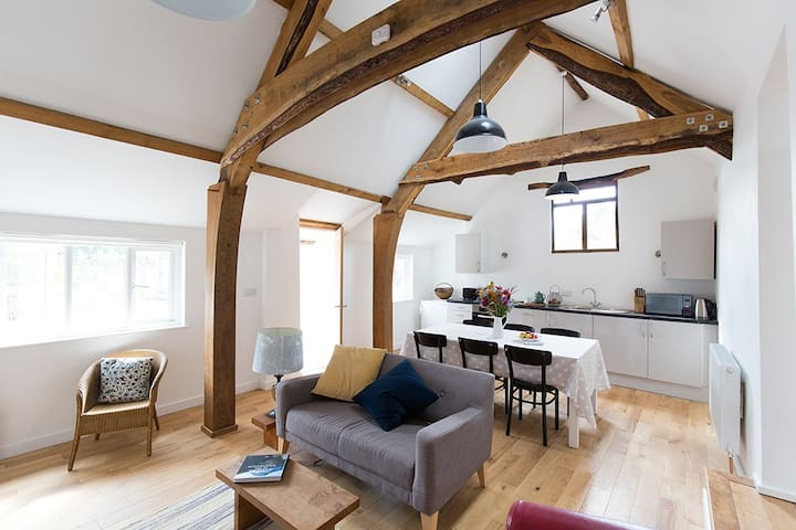 Cosy stone barn for 4 and private annexe for 2 - Kittisford - Hus